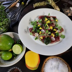 Tuna with Wasabi Sauce and Oriental Salad