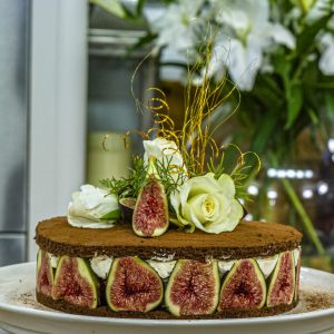 Chocolate and fig gateau