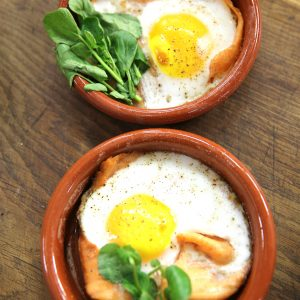 BAKED DUCK EGGS WITH SMOKED SALMON