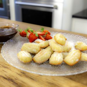MADELEINES WITH CHOCOLATE DIPPING SAUCE