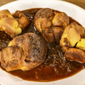 YORKSHIRE PUDDINGS WITH ONION GRAVY