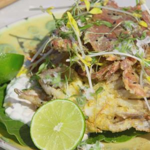 DEEP-FRIED INDIAN SOFT-SHELL CRAB WITH MANGO SAUCE
