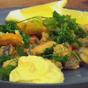 DEEP FRIED MUSSELS WITH AIOLI