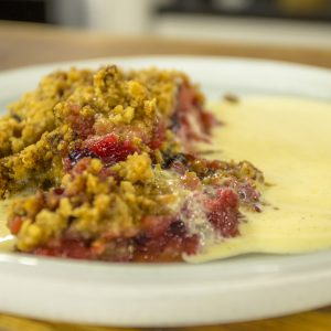 BLACKBERRY & APPLE CRUMBLE WITH CUSTARD